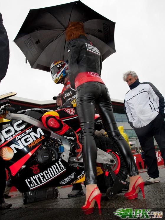 2011-Silverstone-MotoGP-Paddock-Girl-3.jpg