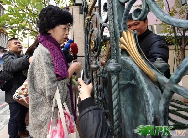 媒體24小時跟監弄哭陳佩琪  網友嘆「被陳幸妤了」