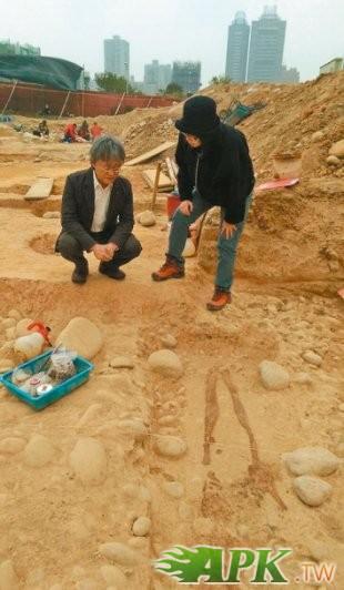 台中西屯高房價區 挖出46具史前人骨