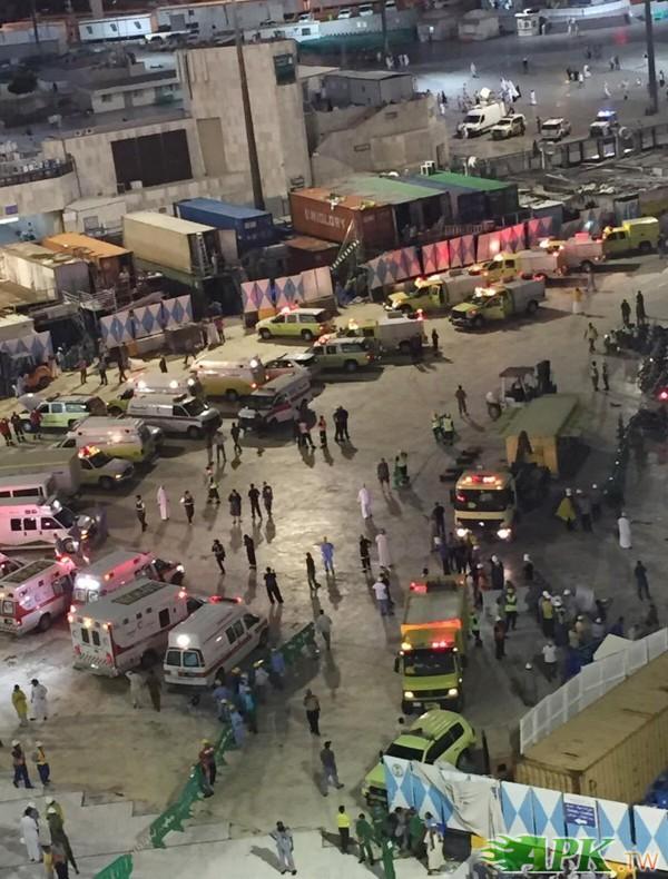 大批救難、救護車趕往現場