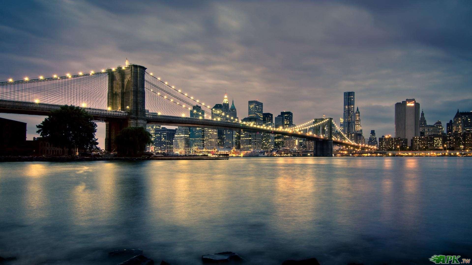 Brooklyng-Bridge-at-Night.jpg