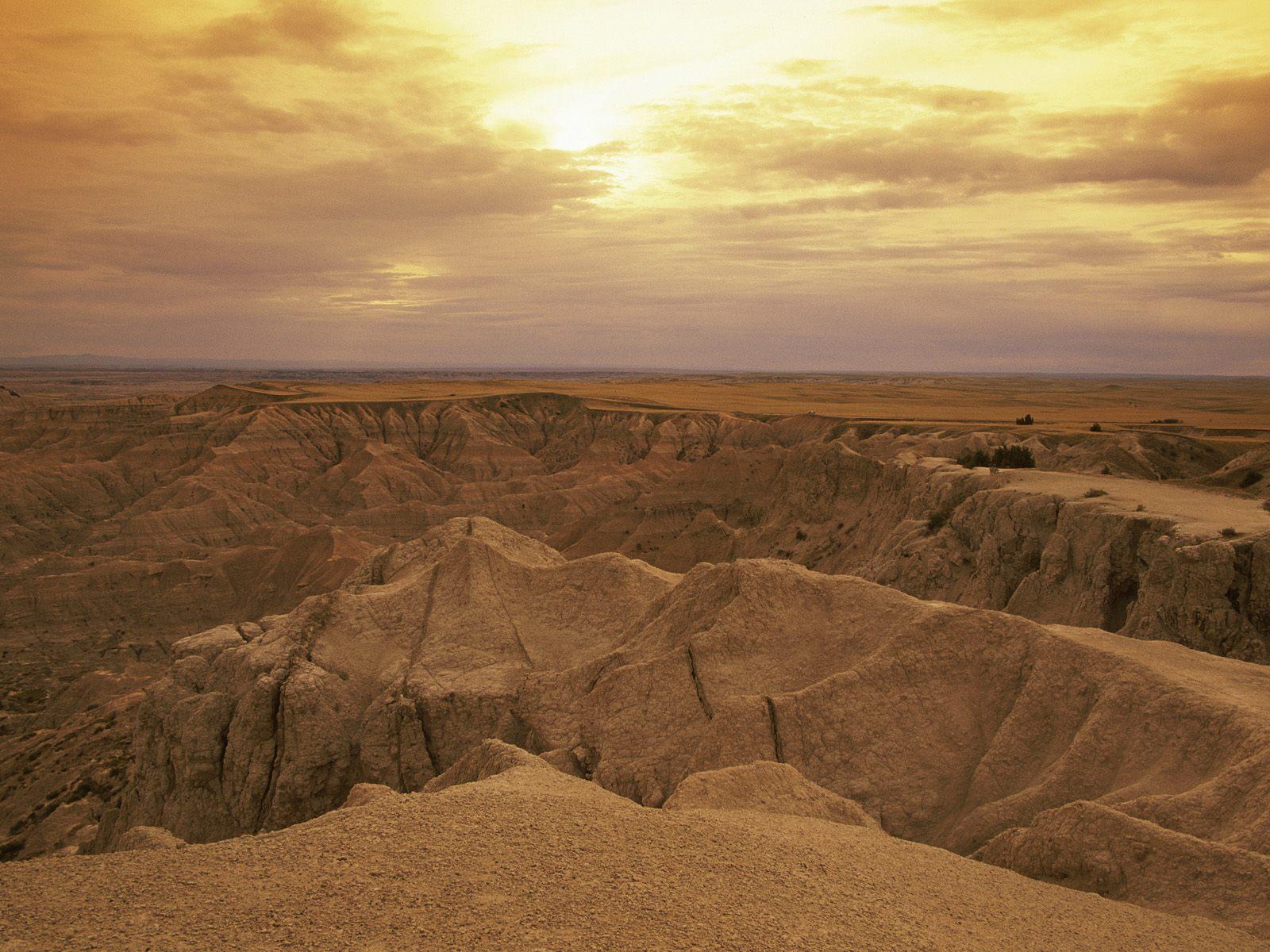 Pinnacles Overlook Badlands National Park South Dakota.jpg