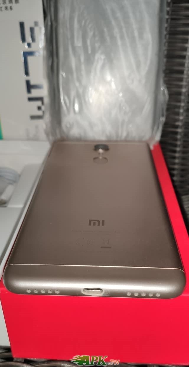 紅米5 台版 5.7吋 3 32G 手機-2.jpg