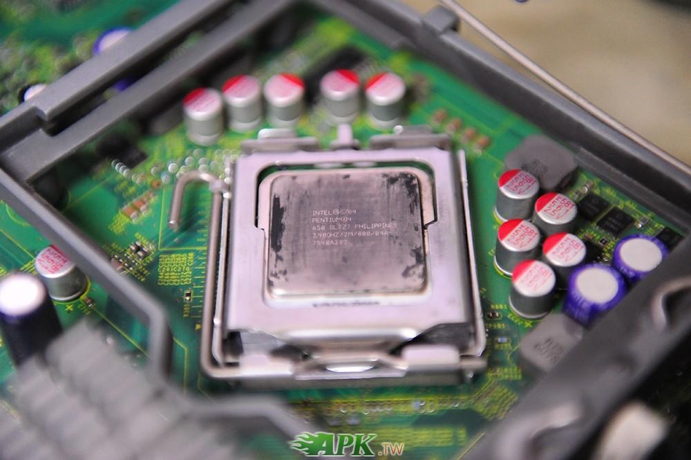 主機板 MS-9162 VER: 1.A IBM及CPU 650 SL7Z7 3.4G
