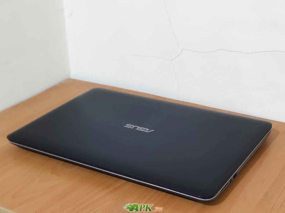 6900元 ASUS X556U X556UR 15.6吋 i5-6200U 2G獨顯NV930MX 4G/240G SSD