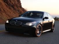 桌布-BMW  B5(橫@5張@685KB@rar)